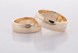 Geel gouden ringen bewerkt 4