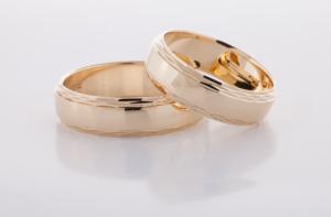 Geel gouden ringen bewerkt 5